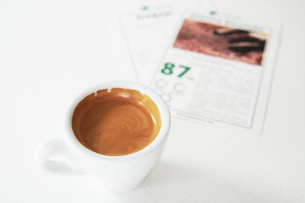 Un grand cru de café et sa fiche explicative. Photo : La Tasse Verte