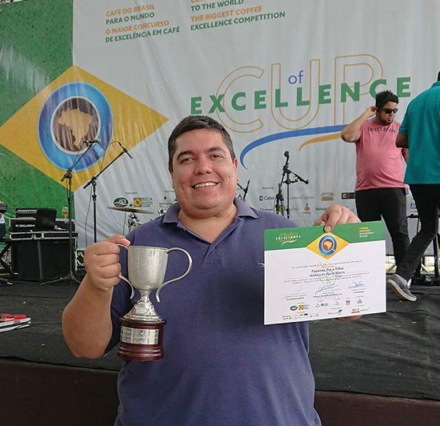 André Luis de la ferme Fazenda Paie Filho - 1ère place Cup of Excellence Brésil 2019